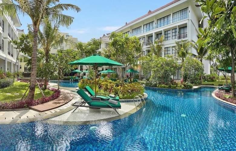 Bali Nusa Dua Hotel & Convention - Pool - 22
