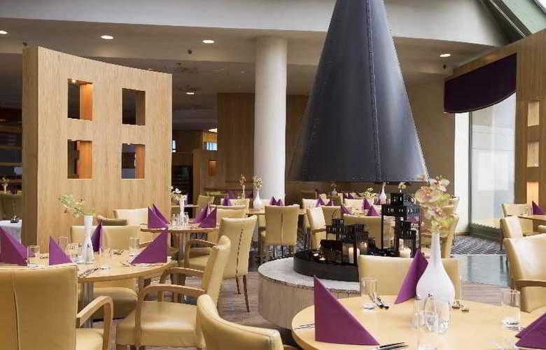 Radisson BLU Saga - Restaurant - 18