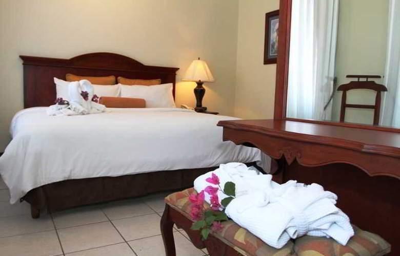Hotel & Suites Casa Conde - Room - 2