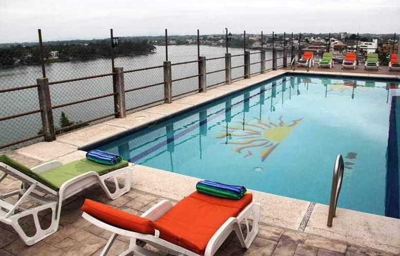 Hotel May Palace - Pool - 2