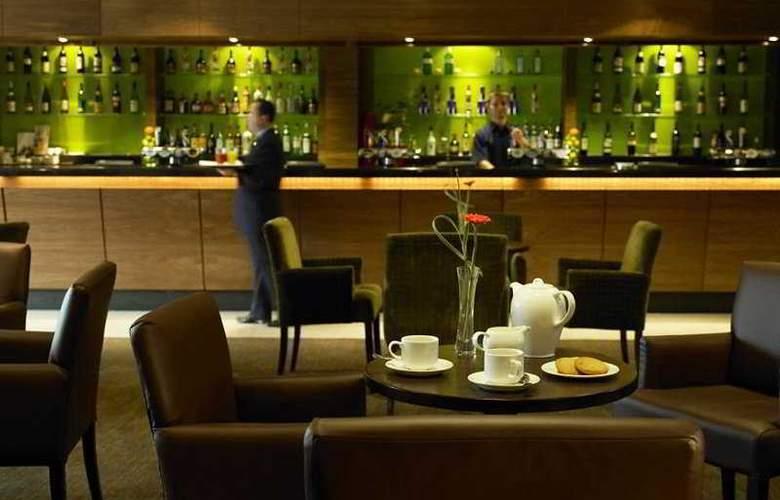 Mercure Warwickshire Walton Hall Hotel & Spa - Bar - 10