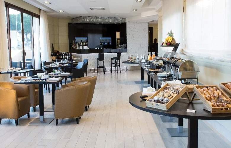 Grand Hotel Ritz - Restaurant - 14