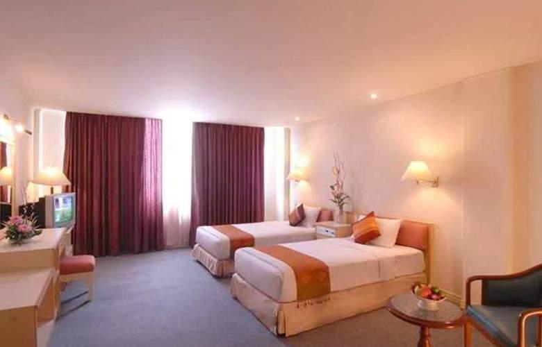 Suriwongse Tower Inn - Room - 6