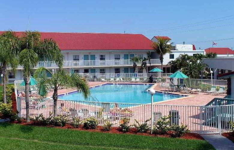 La Quinta Inn Cocoa Beach - Pool - 2