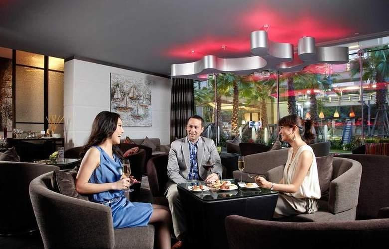 Novotel Bangkok Fenix Ploenchit - Bar - 72