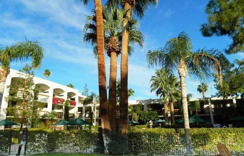 Palm Mountain Resort & Spa - Terrace - 12