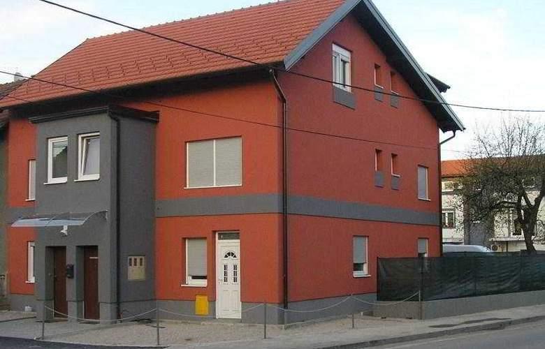 Apartmani Celic - Hotel - 0