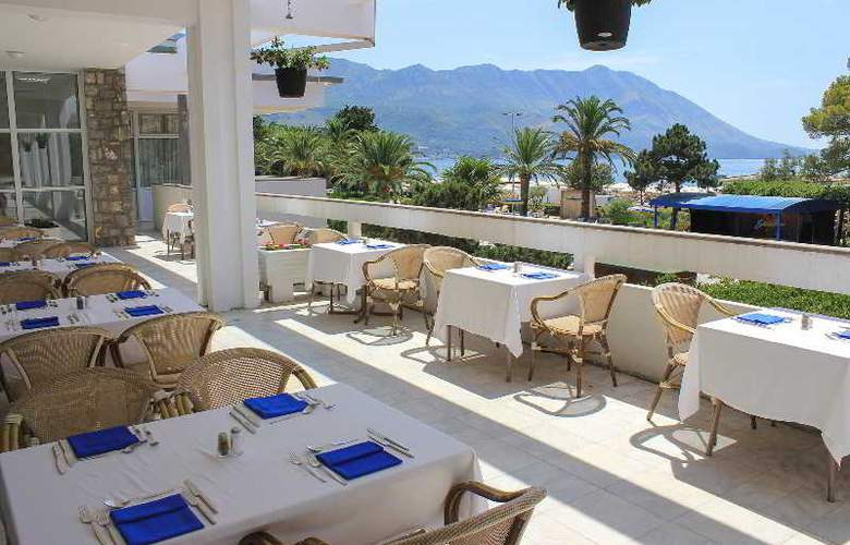 Montenegro Beach Resort - Restaurant - 14