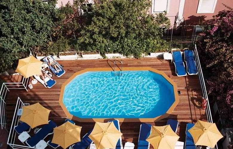 Amazonia Lisboa - Pool - 7