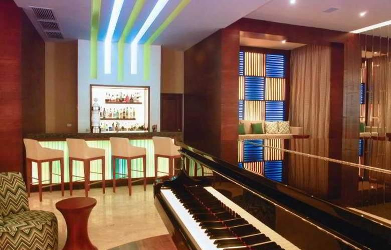 H10 Habana Panorama - Bar - 4
