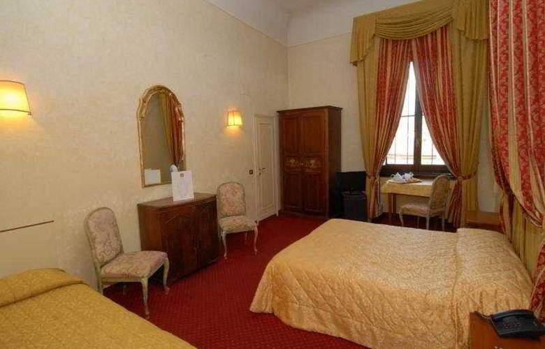 Paris - Room - 5