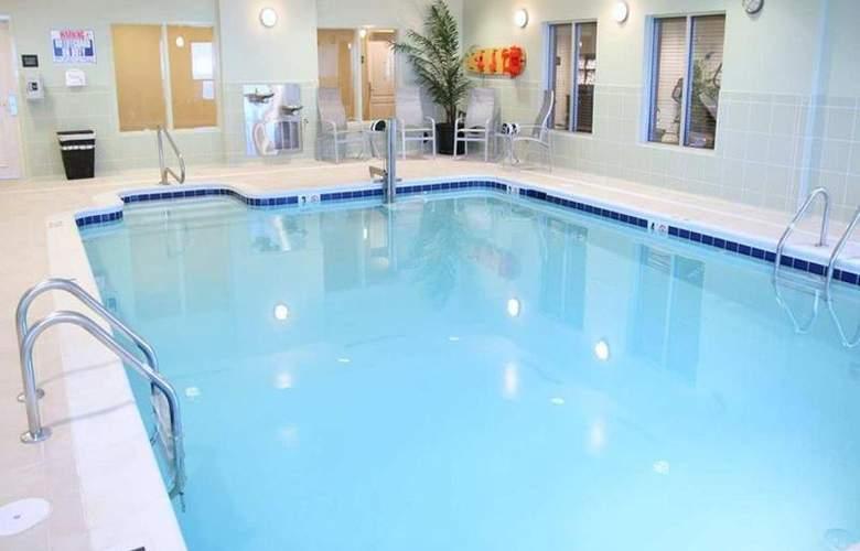 Hampton Inn Hampton-Newport News - Pool - 9