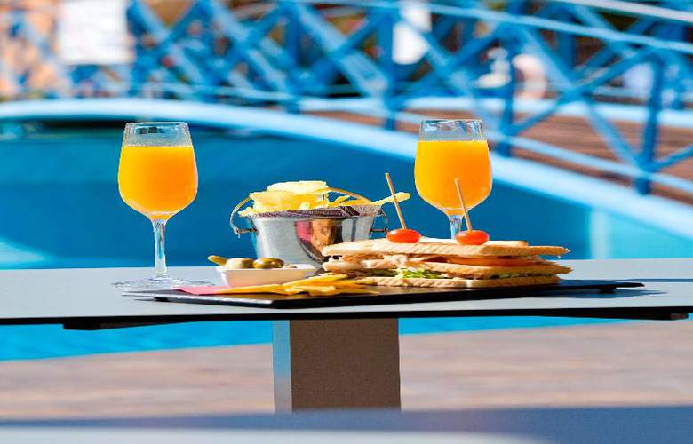 Mon Port Hotel Spa - Terrace - 206