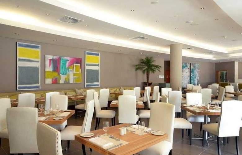 Holiday Inn Mauritius Airport - Restaurant - 22