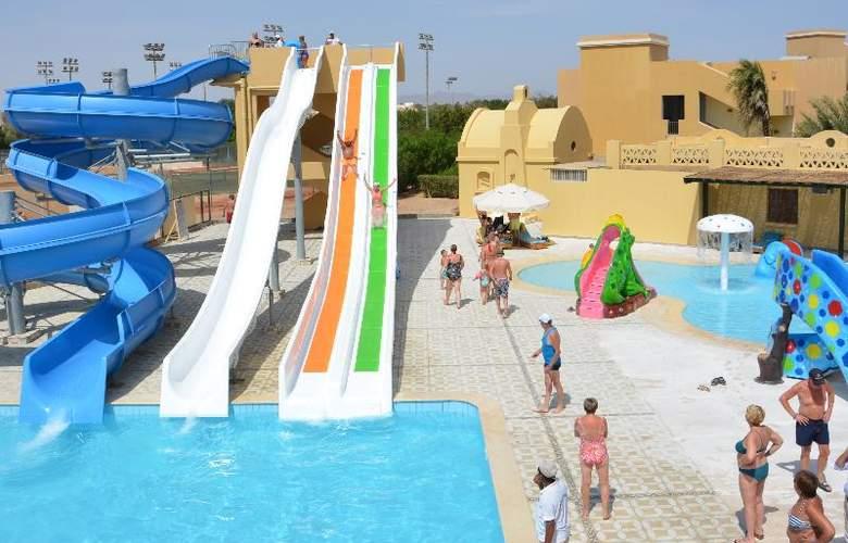 Three Corners Rihana Resort - Pool - 20