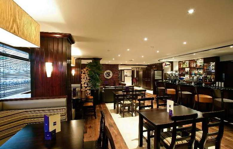 Glasgow Pond Hotel - Bar - 6