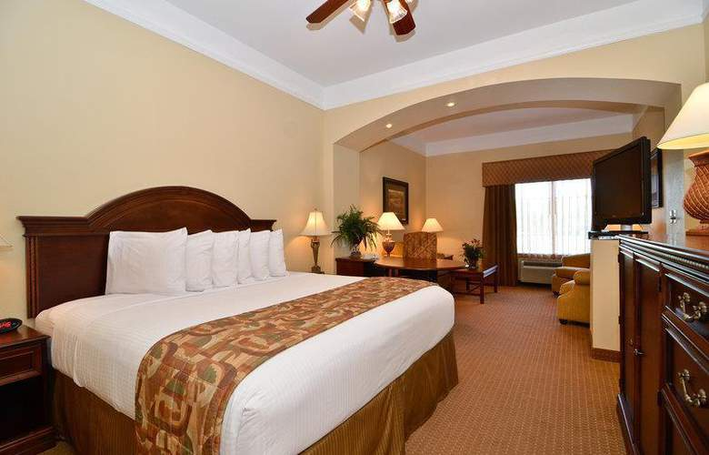 Best Western Plus Monica Royale Inn & Suites - Room - 112
