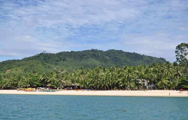 Coconut Beach Resort - Beach - 10