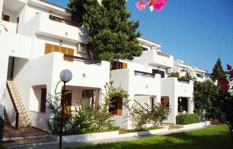 Cristina Apartamentos Villas - Hotel - 0