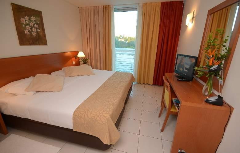 Hotel Sao Sebastiao - Room - 2
