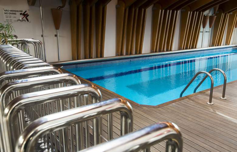 Ponta Delgada - Pool - 13