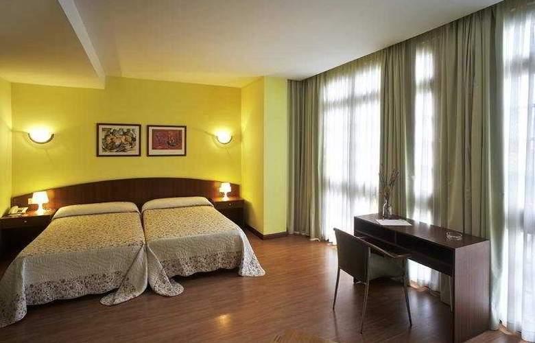 De la Villa-Arga - Room - 3