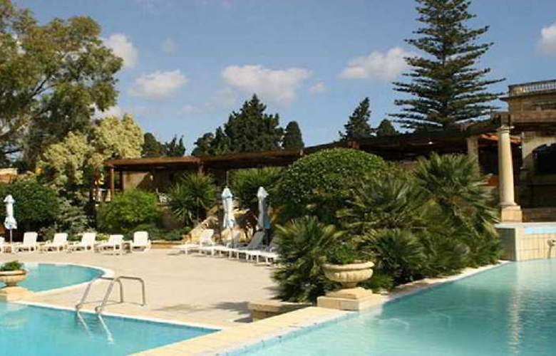 Corinthia Palace Hotel & Spa - Pool - 3