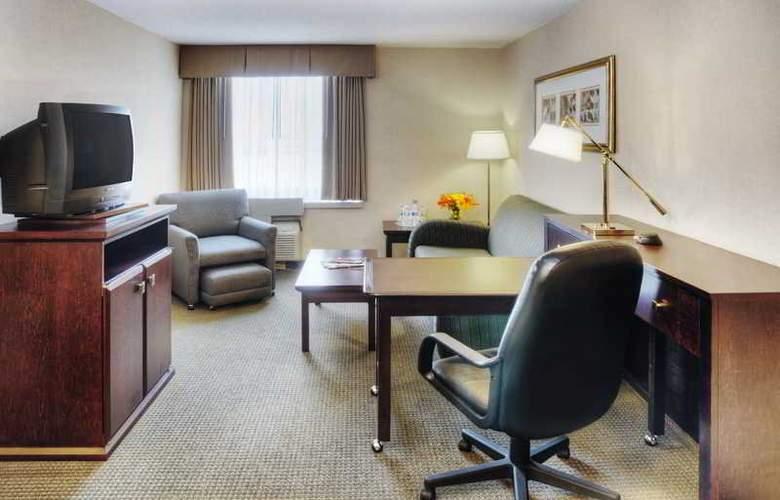 Radisson Suite Toronto Airport - Room - 5