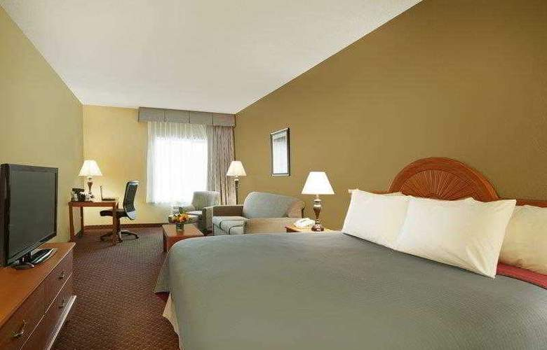 Best Western Plus Golden Lion - Hotel - 12