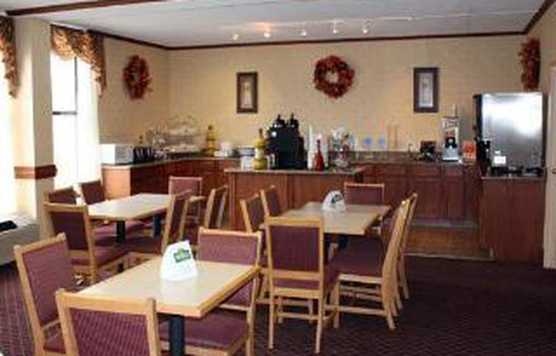 Clarion Inn & Suites Airport - General - 3
