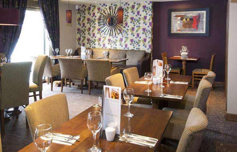Premier Inn Chichester - Restaurant - 4