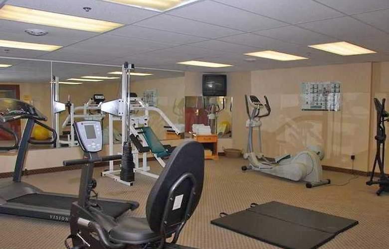 Monte Carlo Inn Airport Suites - Sport - 6