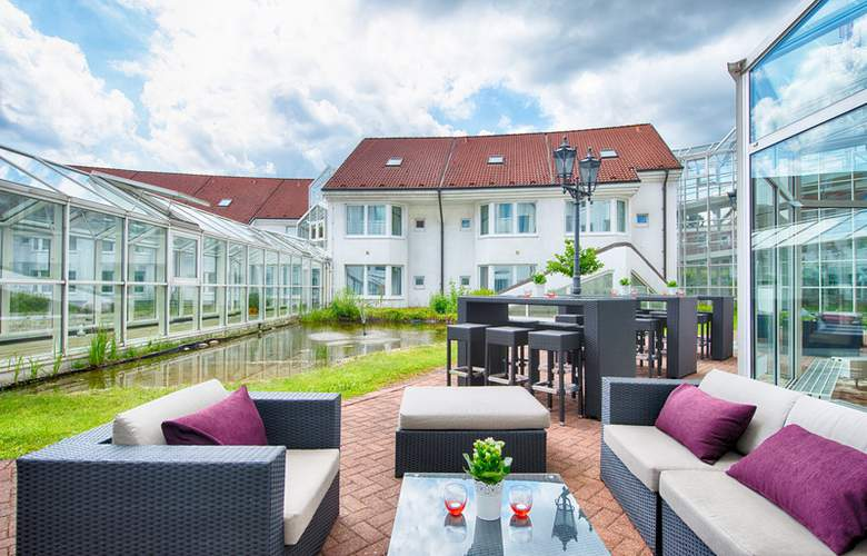 Leonardo Hamburg Airport - Terrace - 7