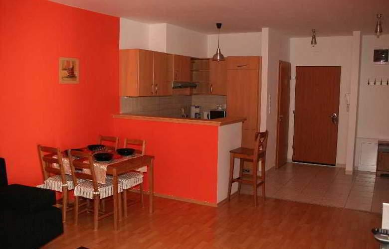 Far Home Apartments - Room - 4