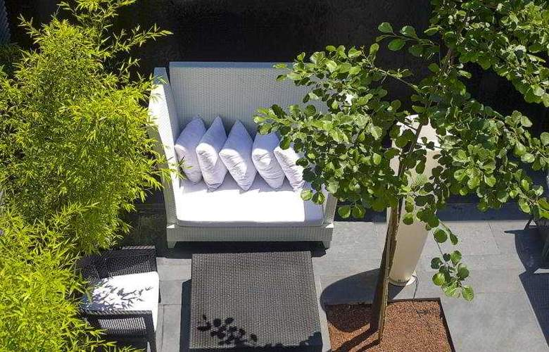 DoubleTree by Hilton Lisbon - Fontana Park - Terrace - 3