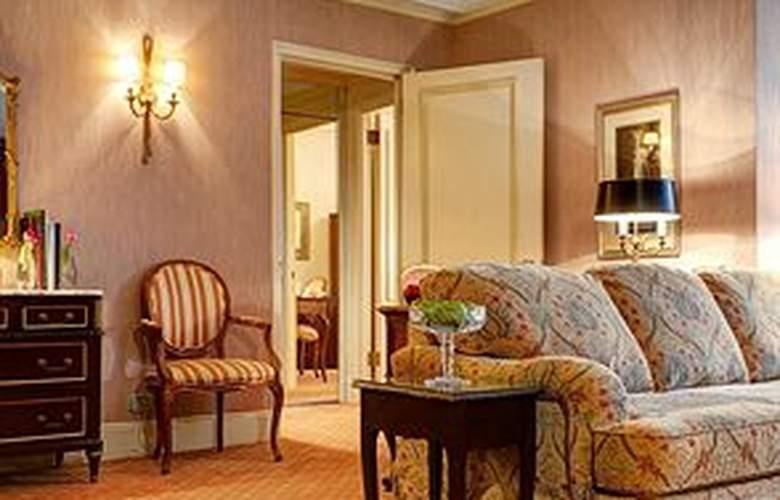 Hotel Elysee - Room - 12
