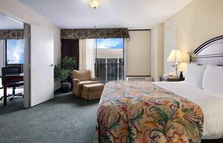DoubleTree by Hilton Midland Plaza - Hotel - 4