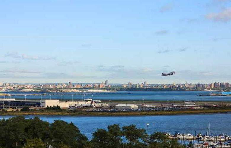 Fairfield Inn New York LaGuardia Airport/Flushing - Hotel - 3