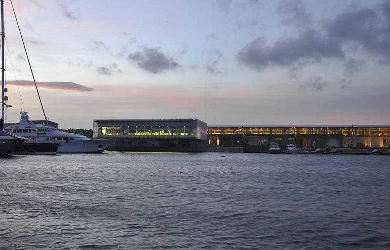 La Maddalena Hotel & Yacht Club - Hotel - 0