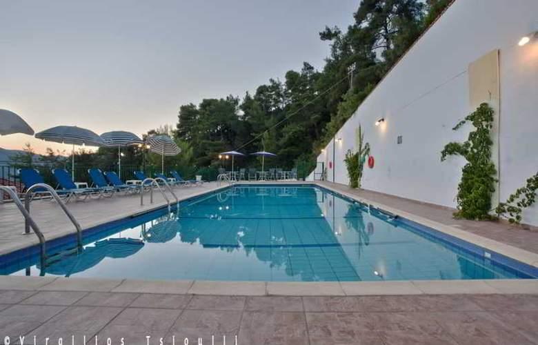 Aegean - Pool - 9