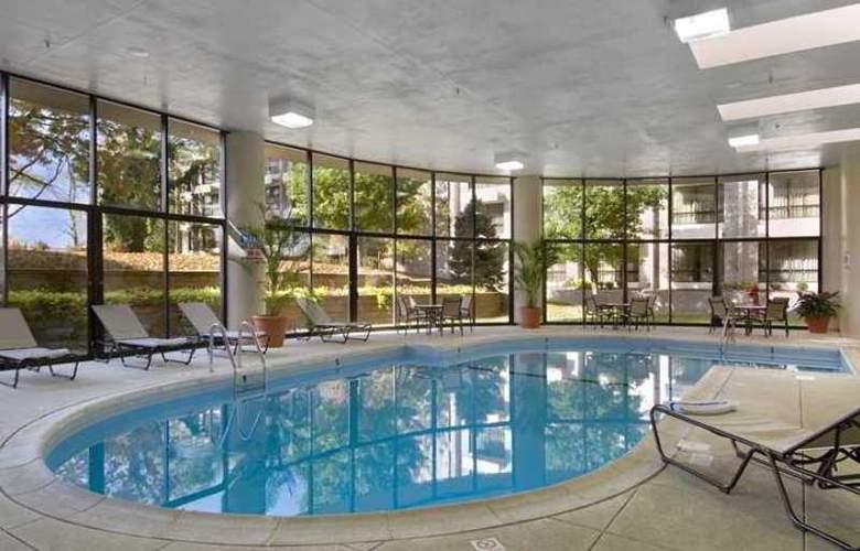 Hilton St. Louis Airport - Hotel - 3