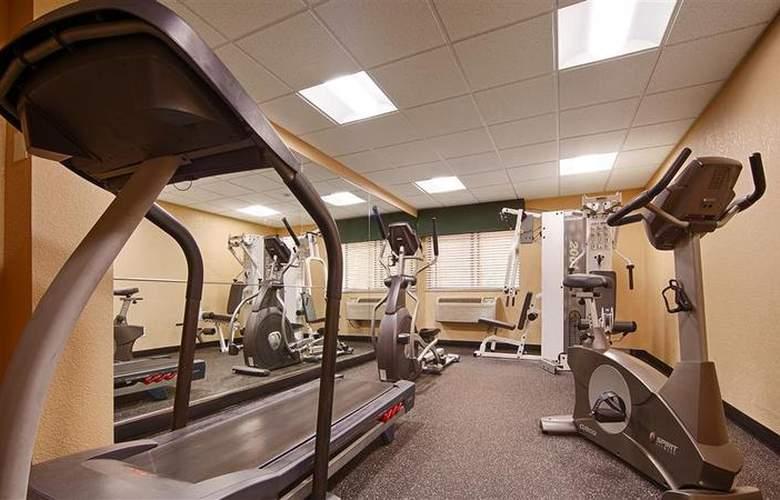 BEST WESTERN Hospitality Hotel - Sport - 48