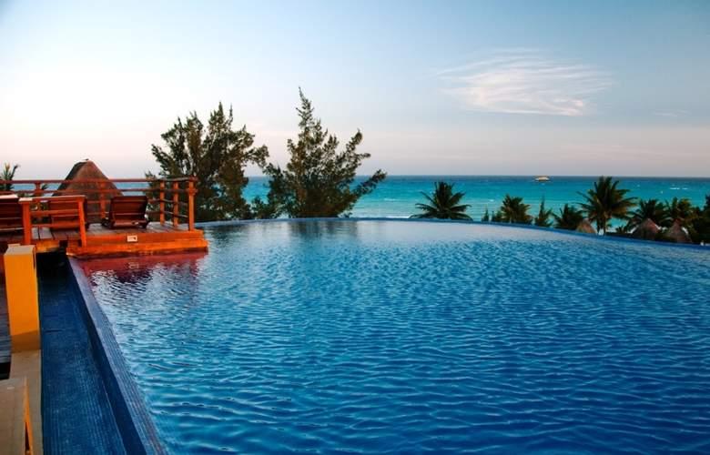 Pueblito Escondido Luxury Condohotel - Pool - 6