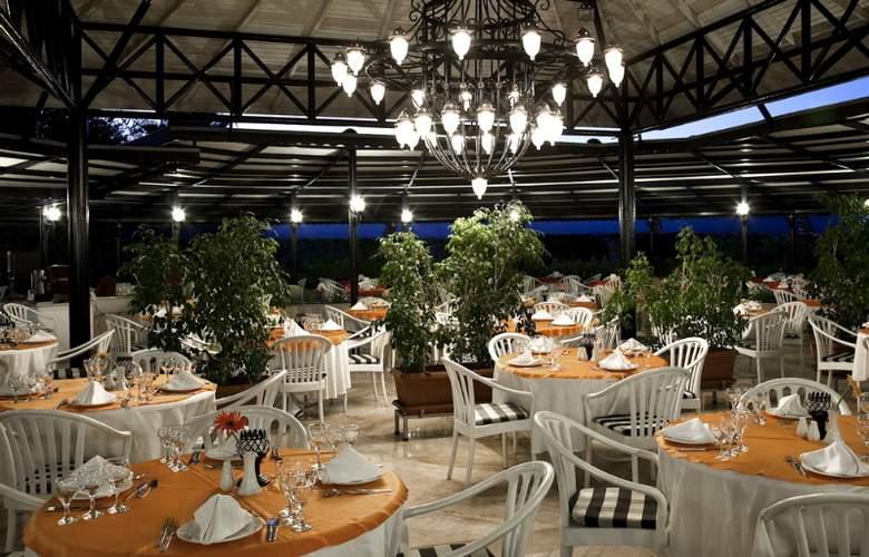 Sunrise Park Resort & Spa - Restaurant - 4