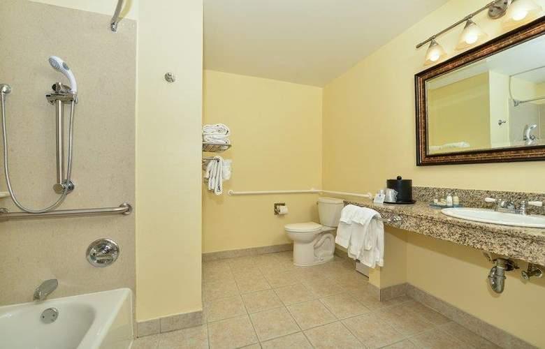 Best Western Plus St. Charles Inn - Room - 57