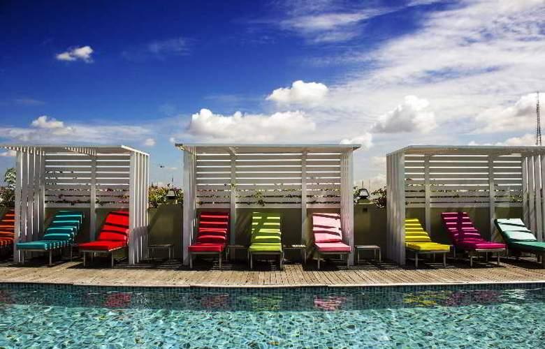 Nouvo City Hotel - Pool - 8
