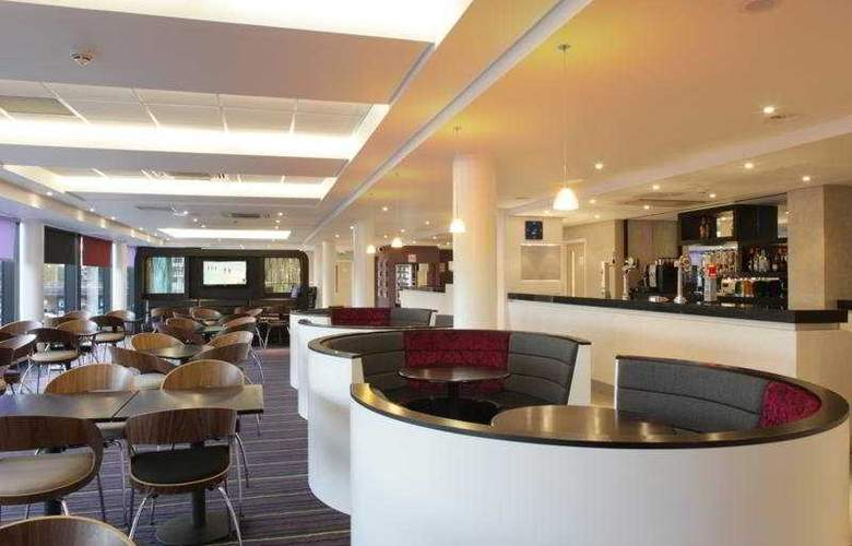 Holiday Inn Express Dundee - Bar - 7