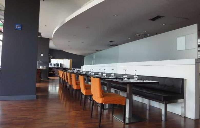Eurohotel Barcelona Gran Via Fira - Restaurant - 44