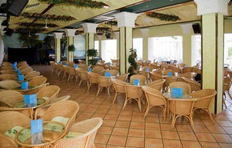 Gran Hotel Las Fuentes - Terrace - 8