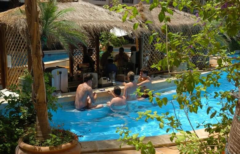 Fortina Hotel Spa Resort - Bar - 17